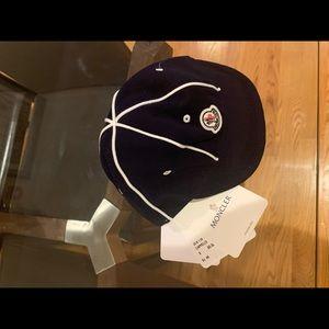 Moncler newborn hat